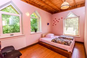 Atskiras kambarys su dvigule lova